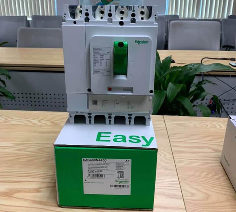 EZS100E4032 Aptomat khối MCCB Schneider EasyPact 4P 32A 25kA