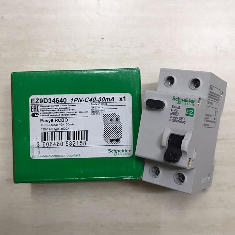 EZ9D34640 Aptomat Cầu dao chống dòng rò RCBO Schneider 1P+N 40A 30mA