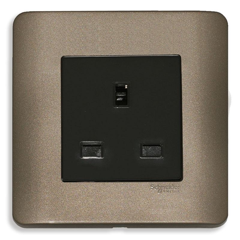 E84426_SZ_G19 Bộ ổ cắm đơn 3 chấu vuông chuẩn Anh, màu đồng