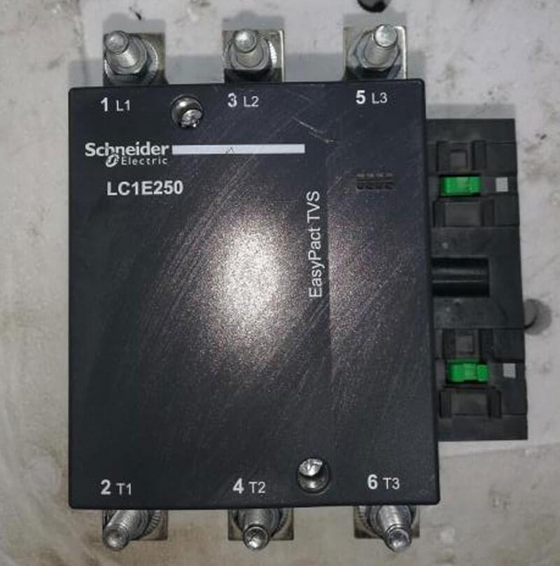 LC1E300M5 Khởi động từ Contactor LC1E Schneider