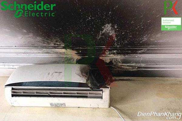 Lắp aptomat riêng cho máy lạnh để ngằn ngừa các sự cố về điện