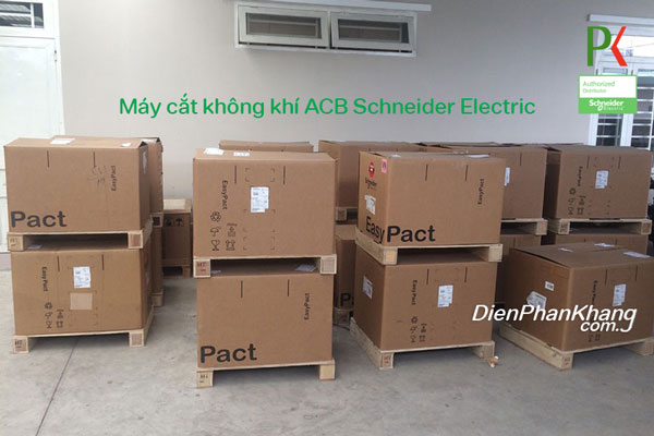 Máy cắt không khí ACB Schneider